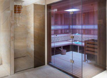 Hotelové wellness v Mariánských lázních s prosklenou saunou Grand