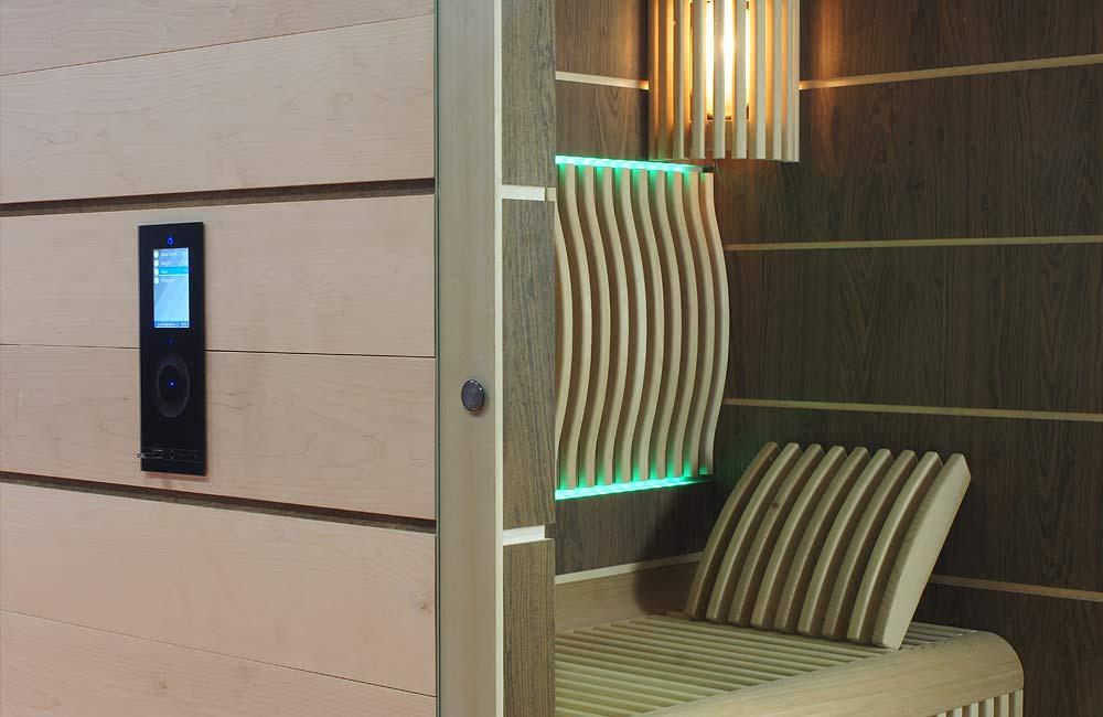 Top model finské sauny Future s dotykovým ovládáním a stěnami ze saunových desek Saunaboard