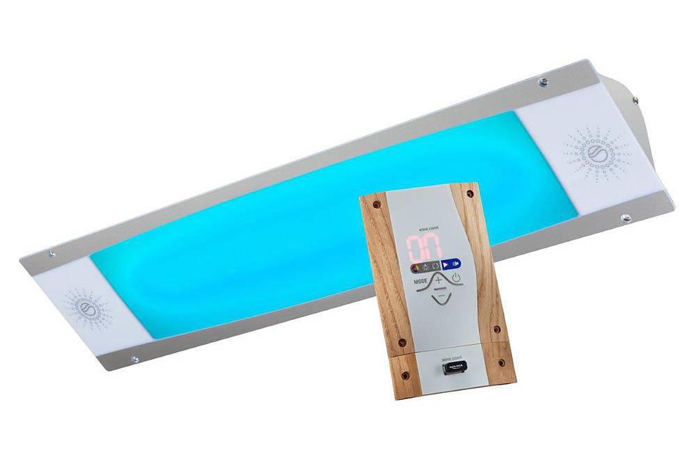 Stropní osvětlení sauny s integrovanými reproduktory a ovládacím panelem od společnosti Sensiotec