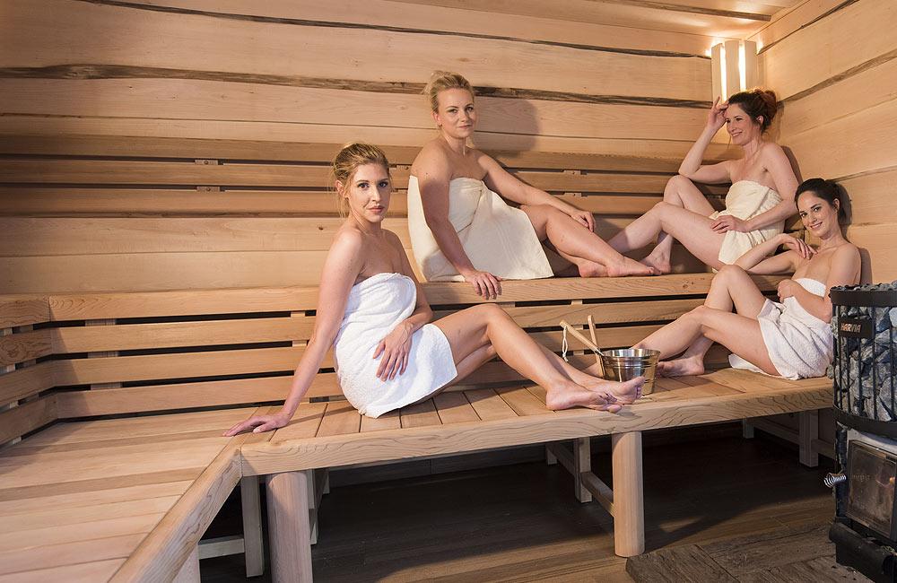 Užijte si saunování se svými přáteli