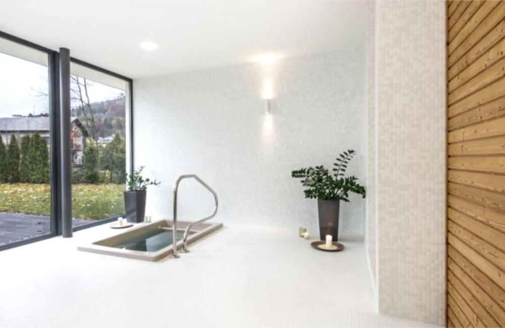 Ochazovací bazének SHOKKI můžete instalovat i v interiéru